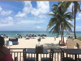 Cute Couple Getaway On The Hollywood Beach photos Exterior