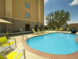 Hampton Inn Uvalde photos Exterior