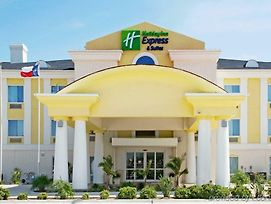 Holiday Inn Express Hotel And Suites Of Falfurrias photos Exterior