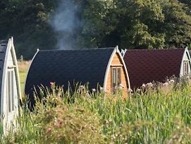 Camping Pod Near Lake photos Room