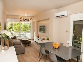 Bright Cozy Aprt In Glyfada photos Exterior