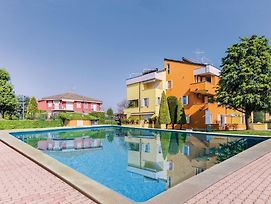 One-Bedroom Apartment In Lugana Di Sirmione Bs photos Exterior