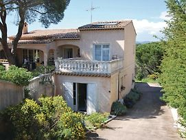 Studio Apartment In Frejus photos Exterior