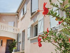 One-Bedroom Apartment In Bastia photos Exterior