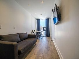 Stylish Home In Queen West photos Exterior