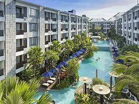 Courtyard By Marriott Bali Seminyak Resort photos Exterior