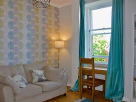 Homely 1 Bedroom Stockbridge Apartment photos Exterior