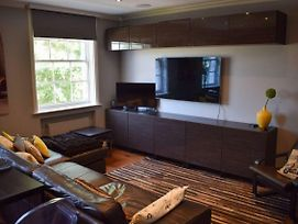 Modern 2 Bedroom Flat With A/C In Westminster photos Exterior
