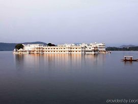 Taj Lake Palace photos Room