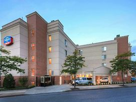 Fairfield Inn New York Laguardia Airport/Flushing photos Exterior