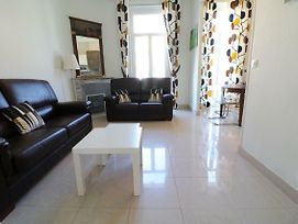 2 Bedroom Forville. 8 Mins From The Palais. 328 photos Exterior