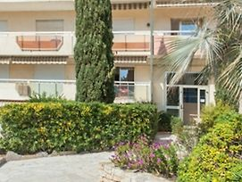 Beautiful Apartment In Le Lavandou On The French Riviera, With 2 Bedro photos Exterior