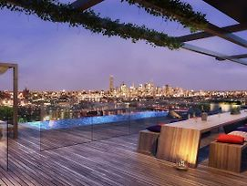Modern, Carefree Living Style Apt In Toowong&View photos Exterior