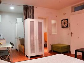 Studio In Madrid, With Wifi - 72 Km From The Slopes photos Exterior