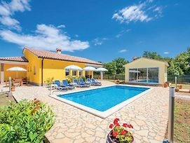 Holiday Home Strmac 25 With Outdoor Swimmingpool photos Exterior