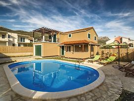Holiday Home Kastel Luksic With Sea View VIII photos Exterior