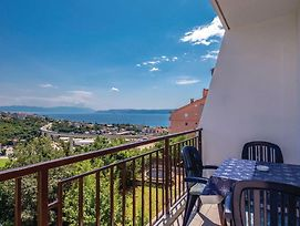 One Bedroom Apartment In Crikvenica photos Exterior