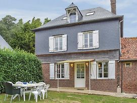 Three-Bedroom Holiday Home In Le Bourg-Dun photos Exterior