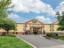 Quality Inn & Suites Lenexa Kansas City photos Exterior