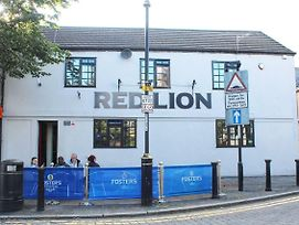 Ye Olde Red Lion Hotel photos Exterior