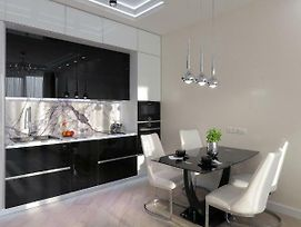 Black&White Apartment In Smart Plaza photos Exterior