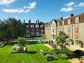 Newnham College University Of Cambridge photos Exterior