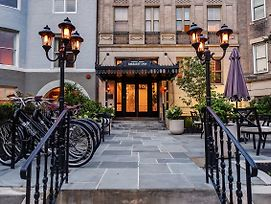 Dupont Circle Embassy Inn By Found photos Exterior