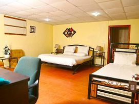Luxury Inn photos Exterior