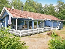 Four Bedroom Holiday Home In Aakirkeby 2 photos Exterior