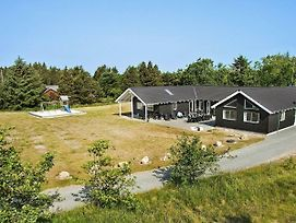 Nine Bedroom Holiday Home In Blavand 4 photos Exterior
