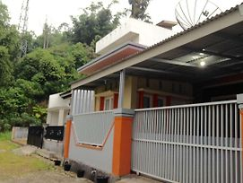 Jingga Guesthouse photos Exterior
