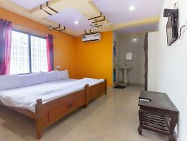 Spot On 44994 Sree Venkata Sai Hotel photos Room