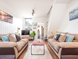 St Elsewhere - Comfy And Trendy, Sleeps Up To 6! photos Exterior