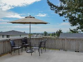 Cozy Seattle Home Luxury Deck W/ View! photos Exterior