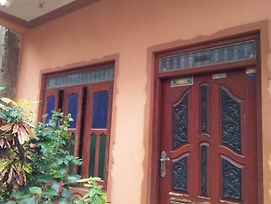 Located In Trincomalee Main Area photos Exterior