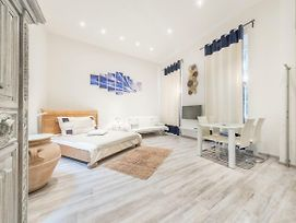 Atlanta Apartment Is In The Heart Of Budapest photos Exterior