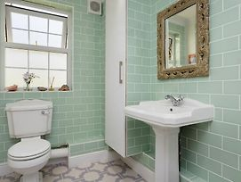 Veeve - 3 Bed Flat With Parking, Walford Road, Stoke Newington photos Exterior
