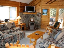 Rocky Ridge Chalet - Rustic Home With Large Outdoor Hot Tub - Minutes From Town photos Exterior