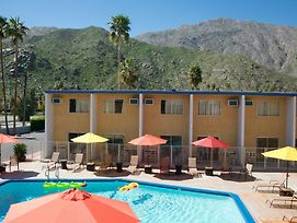 Travelodge Palm Springs photos Exterior