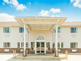 Super 8 By Wyndham Platte City Kansas City Area photos Exterior