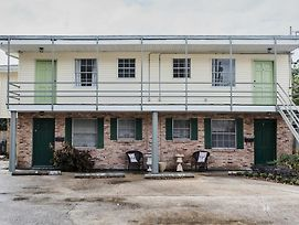 Sleek 1Br In The Bywater By Sonder photos Exterior