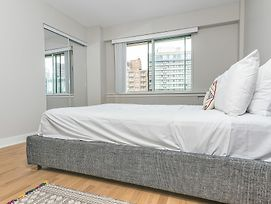 Modern 1Br In Downtown Mtl By Sonder photos Exterior