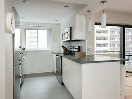 Vibrant 2Br In Downtown Mtl By Sonder photos Exterior