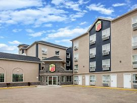 Super 8 By Wyndham Grande Prairie photos Exterior