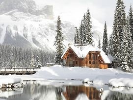 Emerald Lake Lodge photos Exterior