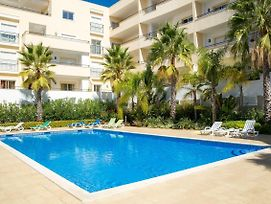 A04 - Large Modern 1 Bed Apartment With Pool photos Exterior