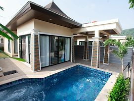 Aonang Oscar Pool Villas photos Exterior
