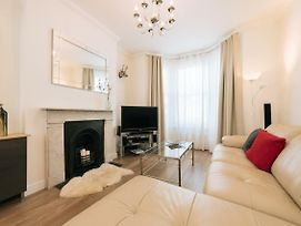 3 Bedroom 3 Bathroom House In Greenwich, Close To O2 photos Exterior