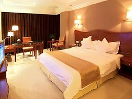 Ever Blooming Hotel photos Room