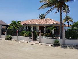 Aruba Custom Villa photos Exterior